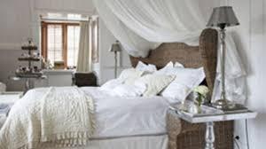 d o chambre blanche déco du blanc pour une chambre où on dort bien côté maison