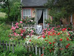 english cottage garden design ideas planted with various kind of