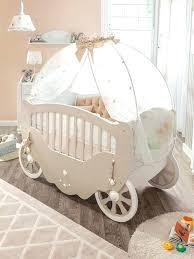 chambre bebe original lit bebe original deco chambre fille peinture bacbac crame tour de