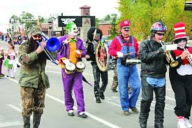 Halloween Band Costumes Abc Newspapers Anoka Deliver Spooktacular Fun