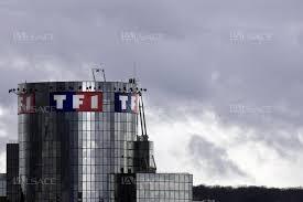 siege social tf1 a la une tf1 menace de couper signal sur les box
