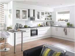photo cuisine blanche dcoration cuisine blanche mobilier blanc cuisine bois with
