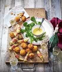 easy vegetarian canapes pear camembert and prosciutto wraps recipe tapas menu
