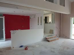 cuisine blanche mur framboise cuisine blanche mur framboise photos de conception de maison