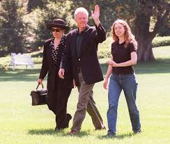 where do clintons live chelsea clinton u0027s life in the white house a look back