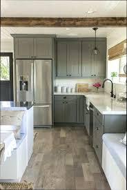 peinturer armoire de cuisine en bois rnover une cuisine comment repeindre simple tourdissant repeindre