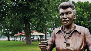 a new lucille ball statue replaces u0027scary u0027 one in her hometown