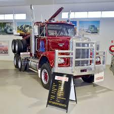 kenworth truck dealer file kenworth w925 kenworth dealer hall of fame 2015 jpg
