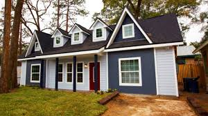 beautiful 600 sq ft victorian home was designed and built on the