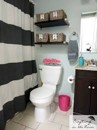 cute ways to decorate your bathroom best 25 small bathroom