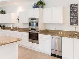 Wren Kitchen Designer by 9 Wren Drive A Beverly Serral Signature Rental Sea Pines Hilton