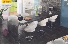 carreler une cuisine carreler une table de cuisine en bois idée de modèle de cuisine