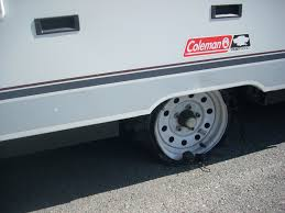Walmart Trailer Tires Blow A Tire Wrecked The Rim Walmart To The Rescue Popupportal