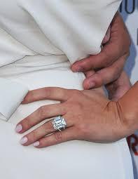 Kim Kardashian Wedding Ring by Kim Kardashian U0027s Post Baby Body Engagement Ring Drama Extratv Com