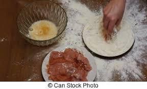 tamiser cuisine plaque femme tamiser farine vue dessus it farine vidéos