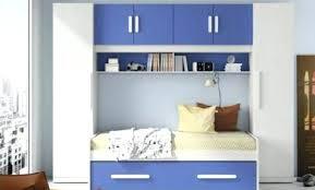 chambre a coucher avec pont de lit lit pont merisier chambre pont en merisier chambre avec lit pont