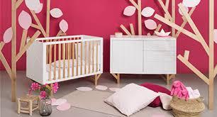 meubles chambre bébé meuble chambre bébé commode à langer et lit tout le mobilier pour