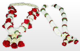 garlands for indian weddings vivah decoration flowers arrangements
