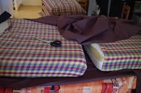 teindre housse canapé housse de canapé kouchka crée