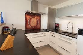 cuisine blanche et plan de travail bois cuisine noir et blanc laqu beautiful beautiful cuisine sol damier