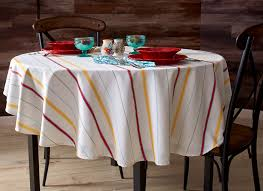 do you use tablecloths the pioneer woman