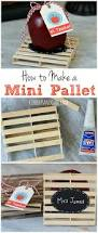 how to make a mini pallet out of popsicle sticks