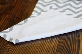 make your own table runner easy diy table runner tutorial sew much ado