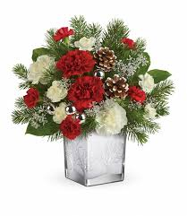 christmas floral arrangements christmas flower arrangements teleflora s woodland winter bouquet