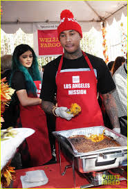 jenner tyga volunteer to feed the homeless before