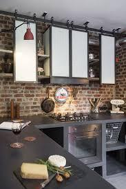 conception de cuisine étagères de cuisine de style indus en acier conception et