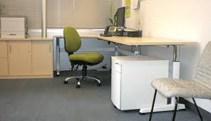 Adjustable Height Desk by What To Consider About The Use Of Standing Height Adjustable Desk