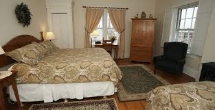 Twin Pine Bed And Breakfast by Spacious Hotel Room Alternative In Providence
