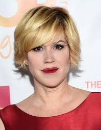 how to style razor haircuts latest layered razor cut for women from molly ringwald