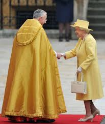 here u0027s why the queen always carries her purse