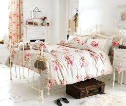 chambre style shabby deco chambre shabby daccoration de la chambre romantique 55 idaces
