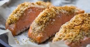cuisiner pavé saumon recette de pavé de saumon en croûte de noisettes