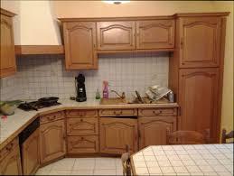 repeindre meuble de cuisine en bois cuisine bois repeindre meuble cuisine bois vernis