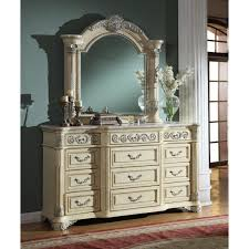 Antique White Bedroom Dressers Meridian Furniture Sienna D Sienna Antique White Dresser W Ornate