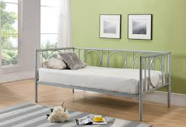 amazon com kings brand metal astoria day bed daybed frame with