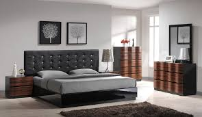 Bedroom Decor With Black Furniture Home Design 81 Mesmerizing How To Decorate A Living Room Walls