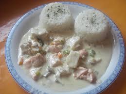 cuisiner du riz blanc riz blanc à la sauce cabillaud saumon aux petits légumes mes