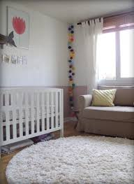 tapis rond chambre aménagement chambre bébé et déco idées et conseils utiles