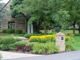 breathtaking suburban front yard landscaping ideas pictures ideas