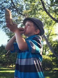 shofar blew 8 year shofar blower saves rosh hashanah holidays