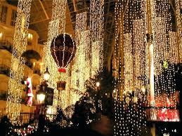 hanging christmas lights around windows christmas lights that hang down opryl how to hang christmas lights
