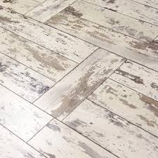 Click To Click Laminate Flooring Hampton Bay Maui Whitewashed Oak 8 Mm Thick X 11 1 2 In Wide X 46