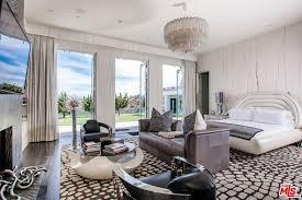 Custom Kitchens By Design Gwen Stefani Asks 35m For Her Old Glam Marital Homestead