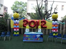 graduation decorations backyard graduation party decorating ideas through the years