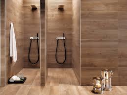 fliesen holz 32 moderne badideen fliesen in holzoptik verlegen