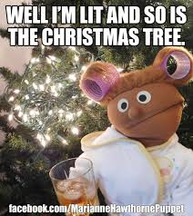Funny Xmas Memes - christmas well im lit and so is the christmas tree merry meme